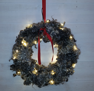 Julkrans med lampor